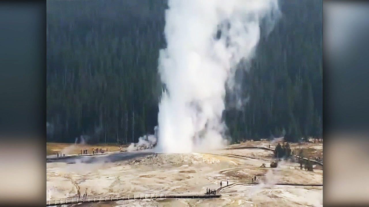Yellowstone: si risveglia il geyser Giantess. Getto di oltre 60 metri