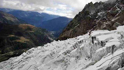 Ghiacciaio del Monte Bianco sta collassando: evacuata la Val Ferret