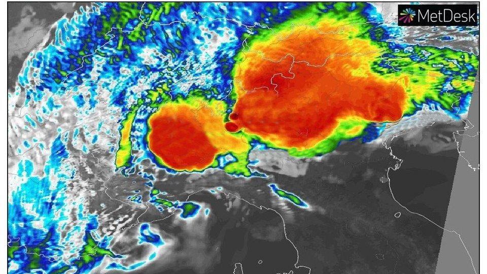 Meteo: forti temporali in arrivo al Nord. Ondata di caldo nel Sud