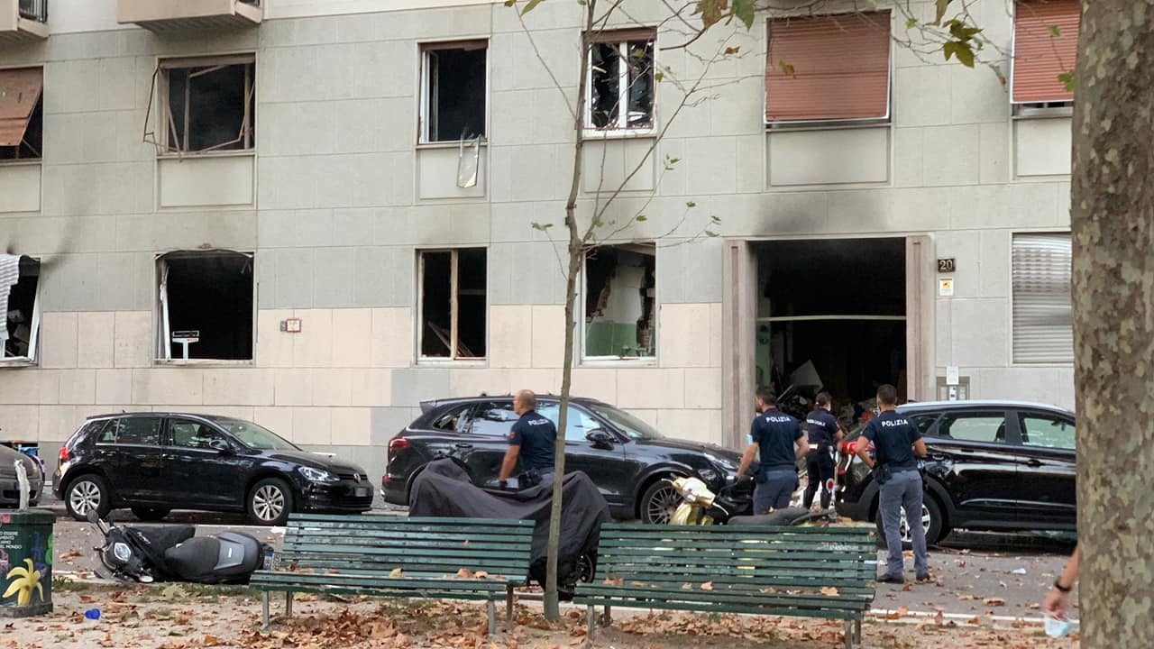 Milano: esplosione in edificio a Piazzale Libia. Potente boato e gente in strada. Il video