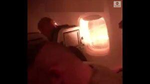 Hawaii: l'aereo prende fuoco in volo. Il video dei passeggeri terrorizzati