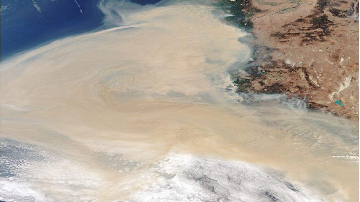 USA: una spaventosa nube di fumo tra California ed Oregon