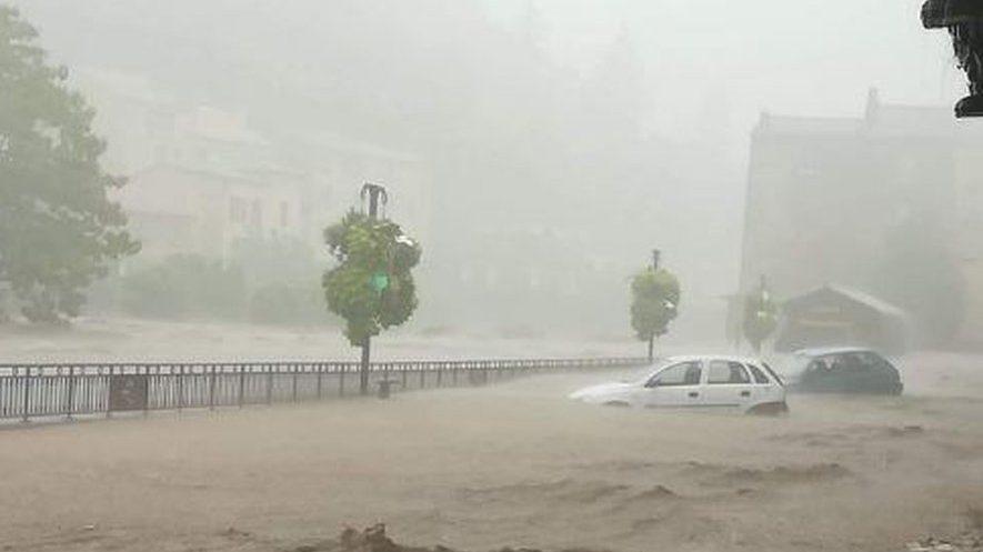 Francia: violento temporale nel sud del paese. Precipitazioni record provocano alluvione