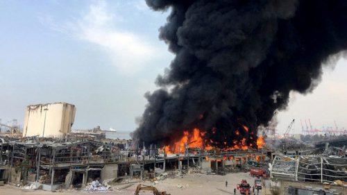 Beirut: enorme incendio nella zona del porto. Il video