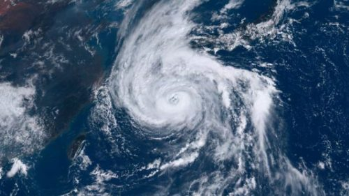 Giappone: registrata raffica di vento di oltre 200 chilometri orari. E' record