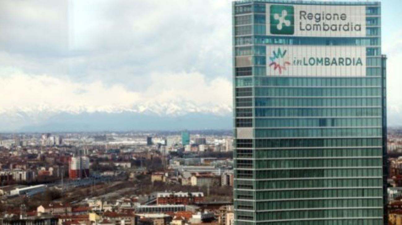 """Coronavirus in Lombardia, Fontana: """"Possibile un nuovo lockdown, come evitarlo"""""""