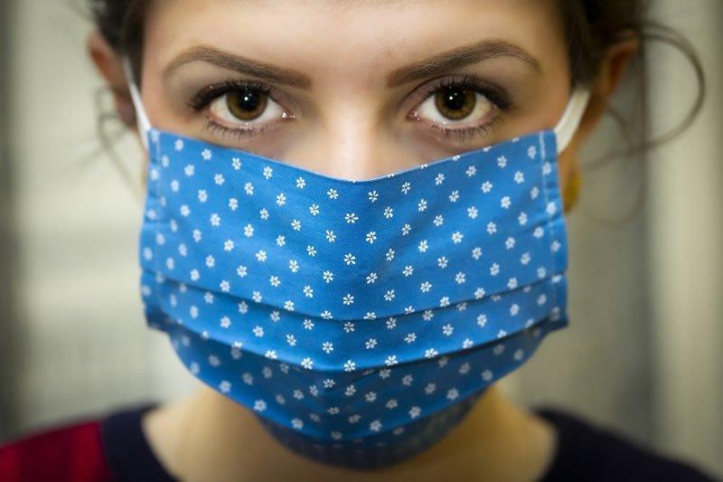 """Coronavirus: le mascherine """"fatte in casa"""" sono efficaci?"""