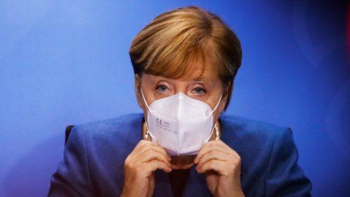 Coronavirus: la Merkel avverte: 'Il sistema sanitario potrebbe collassare in due settimane'