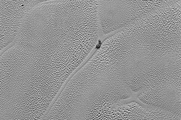 Plutone: scoperta la strana natura delle calotte glaciali