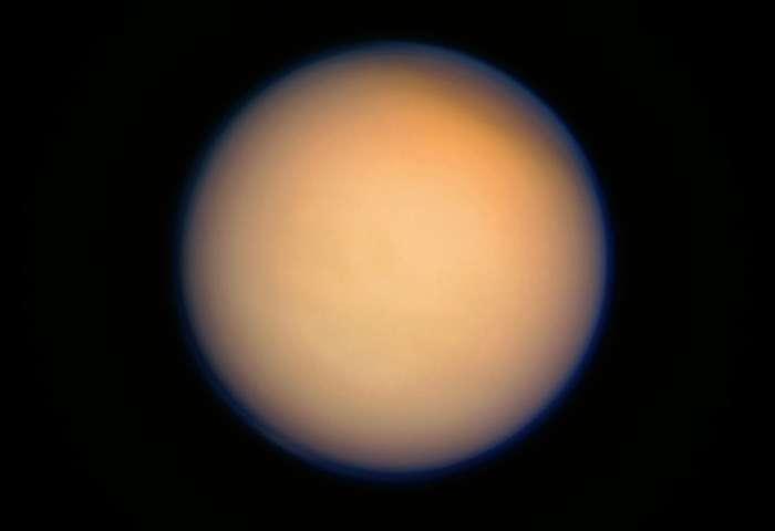 Spazio: la NASA annuncia scoperta di una 'strana' molecola su Titano