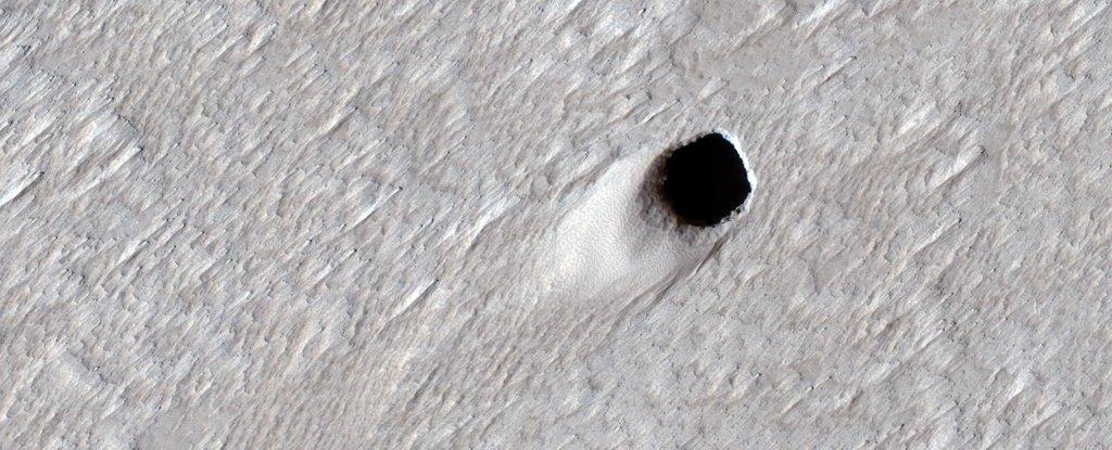 Marte: scoperto gigantesco cunicolo sotterraneo. 'É il più grande mai visto
