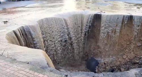 Maltempo Calabria: voragine a Isola Capo Rizzuto, Crotone sommersa da alluvione lampo