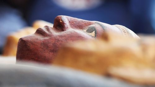 Egitto: oltre 100 sarcofagi intatti scoperti a Saqqara. 'É la scoperta dell'anno'