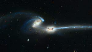 Spazio: la Grande Nube di Magellano sta attirando e deformando la nostra galassia