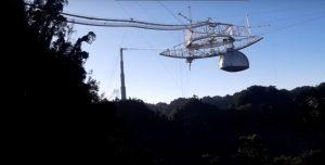 Un video mostra il crollo dello storico telescopio Arecibo