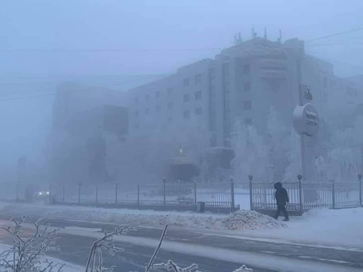 In Siberia temperature di -54 gradi. Yakutsk si congela