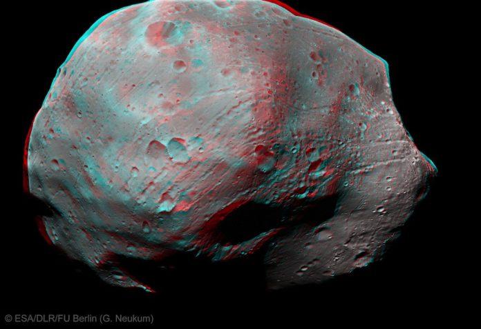 Spazio: svelato il mistero dell'erosione di Phobos, il satellite di Marte