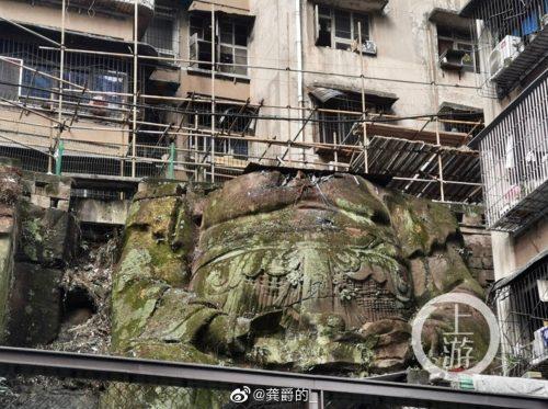 Cina: una gigantesca statua di Budda scoperta tra gli edifici residenziali