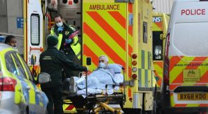 Gran Bretagna: ospedali al collasso a Londra. L'allarme del sindaco Sadiq Khan