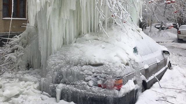 Bielorussia: gelicidio congela la città di Minsk. Le immagini