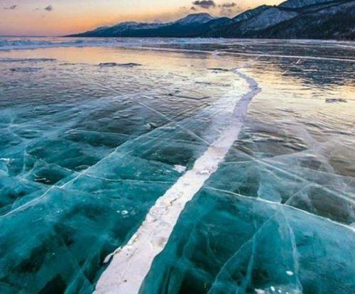 Mongolia: il terremoto ha 'spaccato' il lago ghiacciato di Khövsgöl