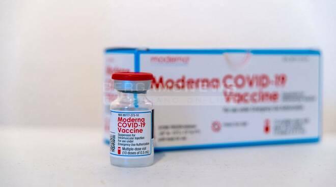 Vaccino Moderna, il CEO: 'garantisce lunga protezione ed è efficace contro mutazioni'