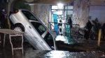 Voragine Napoli: auto inghiottita a Secondigliano