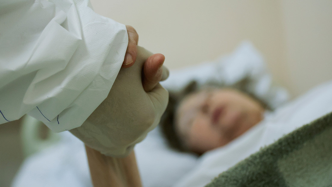 COVID-19: una coppia spagnola si sposa in ospedale prima di essere intubata
