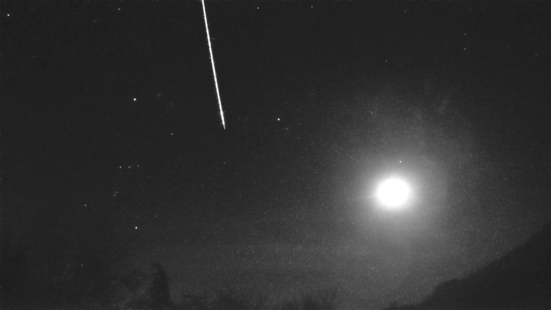 Meteoroide esplode sui cieli dell'Inghilterra. Il video