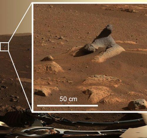 Marte: curiose formazioni rocciose catturate dalla camera di Perseverance