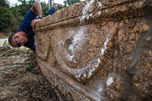 Israele: due sarcofagi risalenti a 1.800 anni fa scoperti in un cantiere
