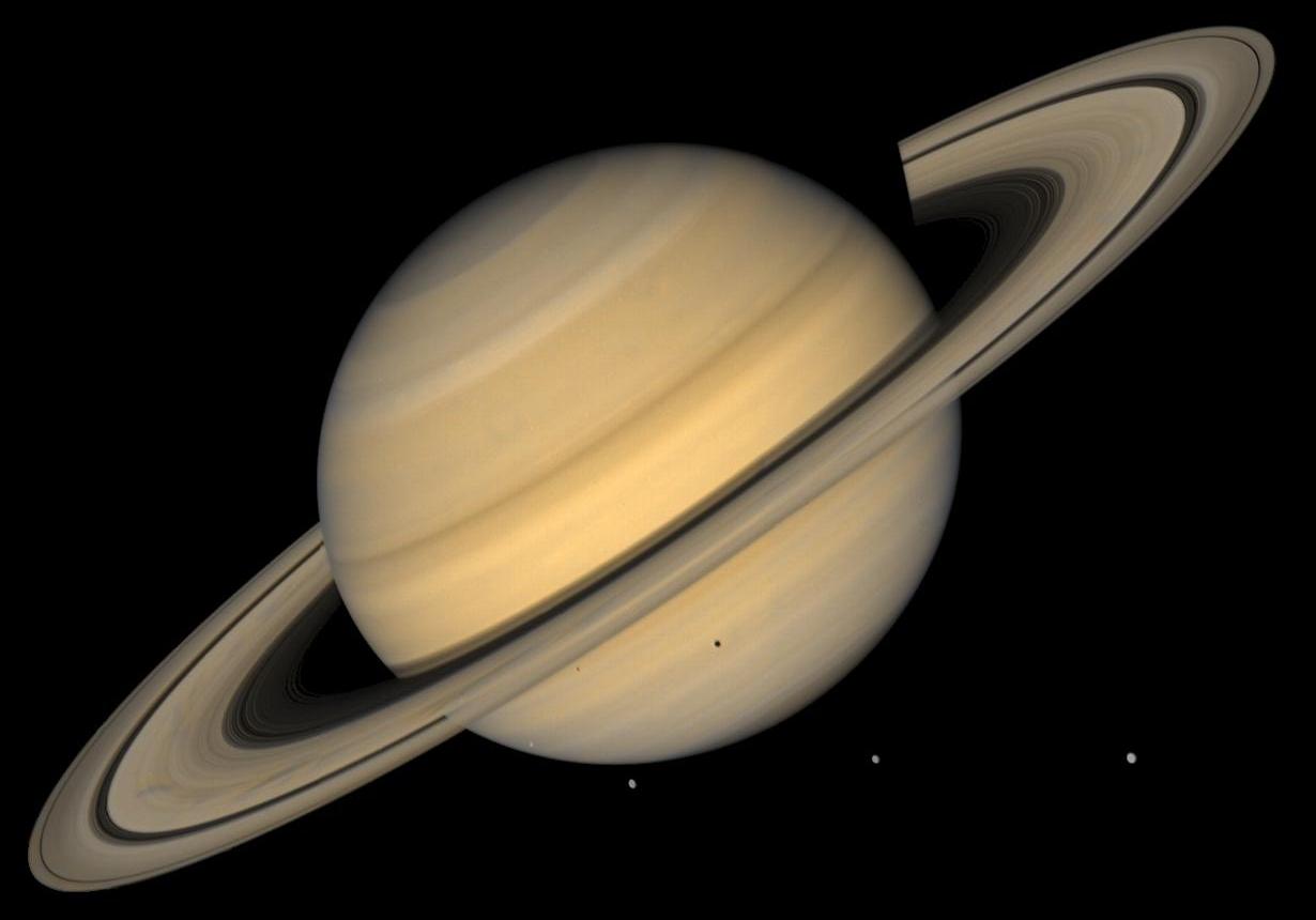 Spazio: scoperta la causa dell'inclinazione anomala di Saturno