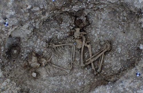 Stonehenge: gli scavi per l'autostrada sotterranea portano alla luce reperti antichissimi