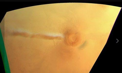 Marte: una nube colossale si innalza dall'Arsia Mons