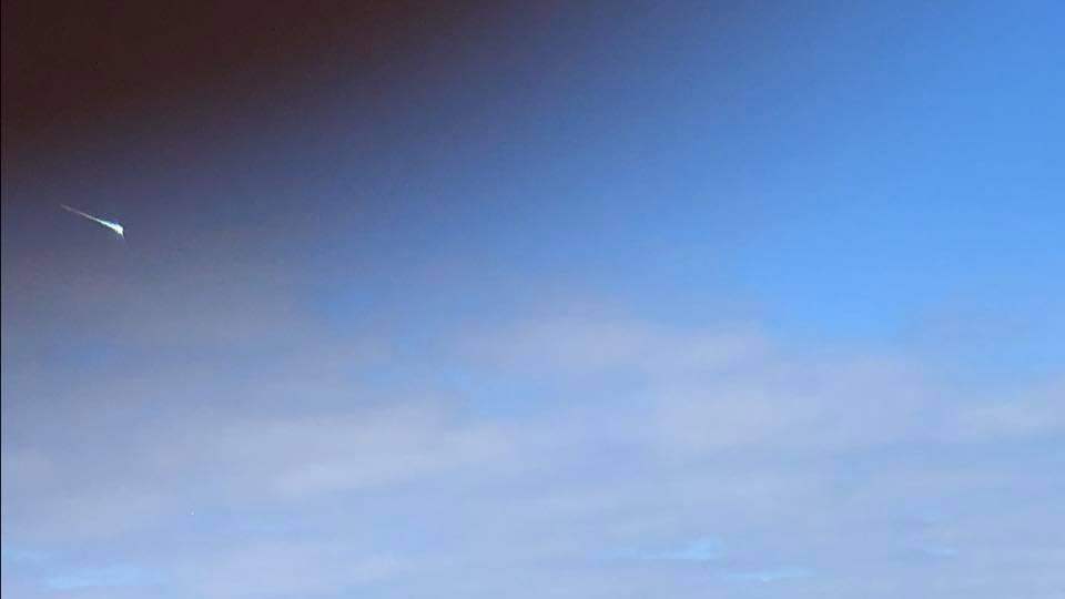 Bolide spaziale esplode sui cieli del Regno Unito. Boato avvertito anche in Francia
