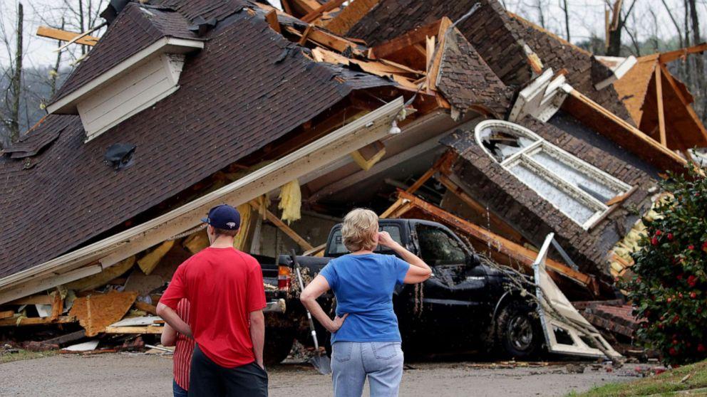 Alabama e Mississippi colpite da decine di tornado. Danni ingenti a Birmingham