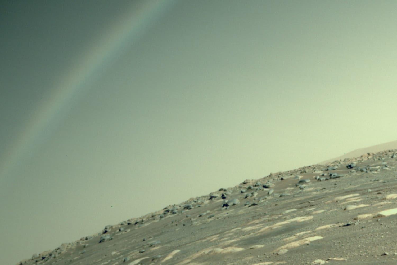 Un arcobaleno su Marte? Lo scatto di Perseverance