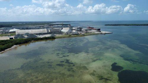 Florida: una diga di acqua contaminata rischia di collassare. Migliaia di persone evacuate