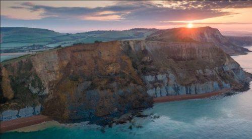 Inghilterra: cede la 'Jurassic Coast'. Franano oltre 4mila tonnellate di roccia