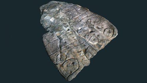Archeologia: scoperta la più antica mappa 3D d'Europa. É stata incisa in una roccia nell'Età del Bronzo