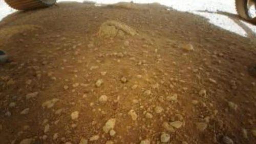 Ingenuity, il drone della Nasa, pronto per il primo volo su Marte. Ecco la prima foto della superficie