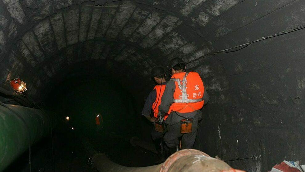Cina: inondazione allaga miniera, minatori bloccati a 1.200 metri di profondità da due giorni