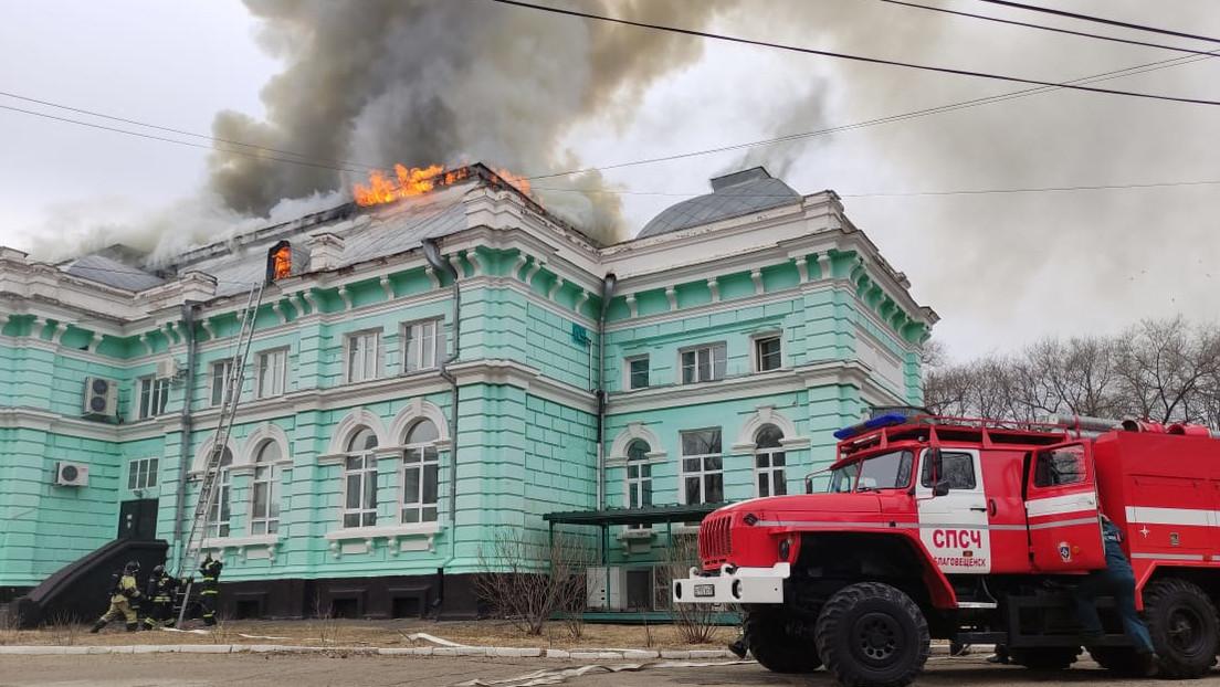 """Russia: ospedale in fiamme, ma chirurghi continuano l'operazione a cuore aperto. """"Non avevamo altre opzioni"""""""