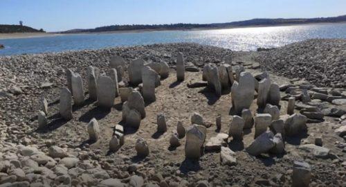 La siccità fa riemergere la 'Stonenenge spagnola'