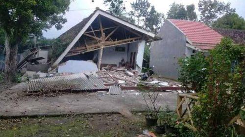 Terremoto Indonesia: danni e crolli a Giava