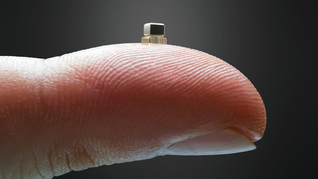 Sviluppato il chip più piccolo al mondo iniettabile nel corpo con un ago. Ha le dimensioni di un acaro