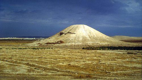 Archeologia: scoperto in Siria il primo monumento al mondo dedicato ai caduti. Risale a quasi 4.500 anni fa