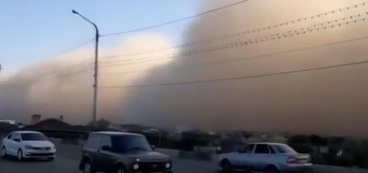 Russia: gigantesca tempesta di sabbia 'inghiotte' Astrakhan. Il video