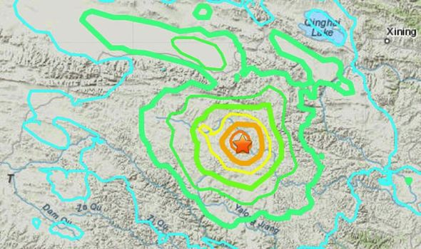 Terremoto Cina: due scosse di magnitudo 7.4 e 6.1 colpiscono il paese. Blackout e evacuazioni di massa