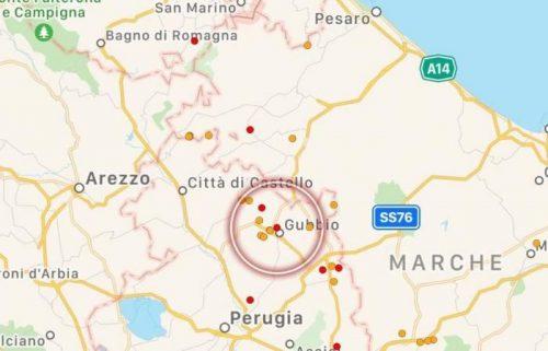 Terremoto Umbria: scossa di 4.0 gradi a Gubbio. Paura e gente e strada